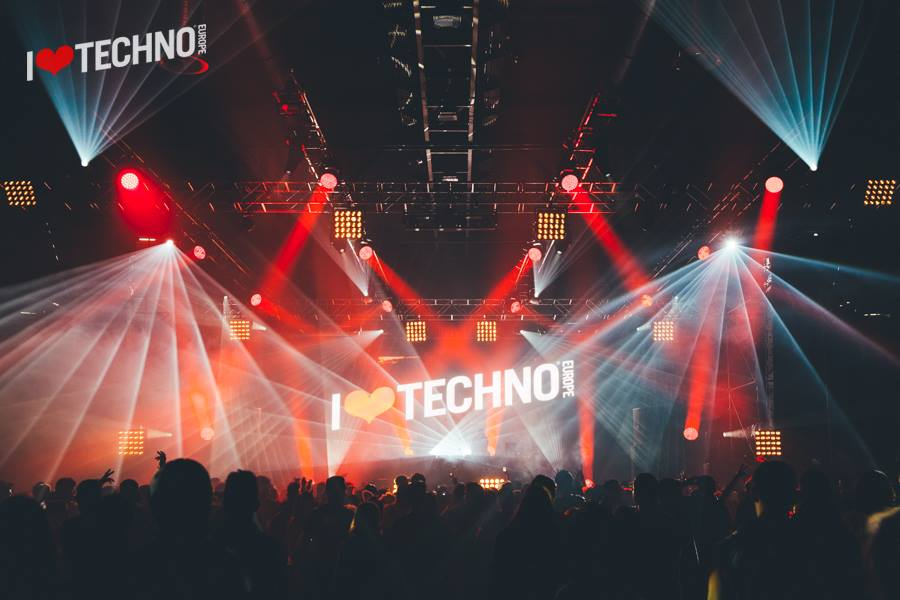 reportage i love techno 2015