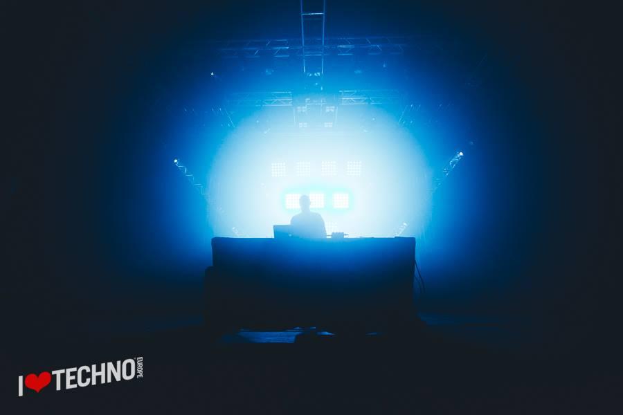 reportage i love techno 2015 vitalic